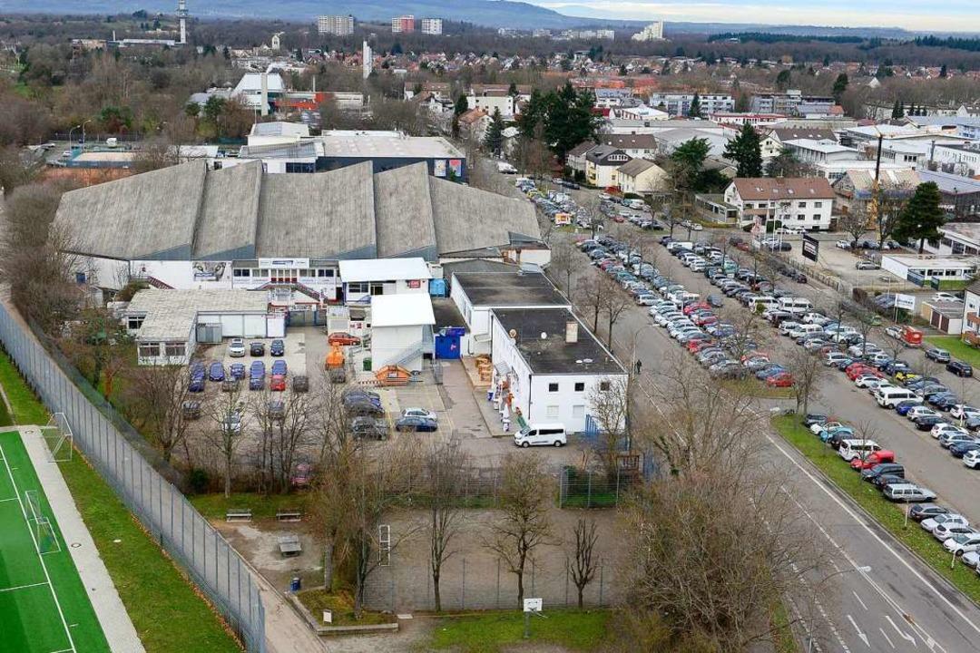Die Zeit der Echte-Helden-Arena an der...vaten Investor zu einem Neubau kommen.  | Foto: Ingo Schneider