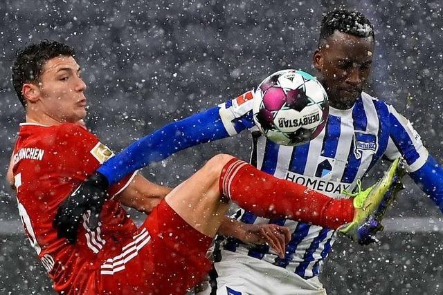 Bayern München punktet im Schneetreiben von Berlin