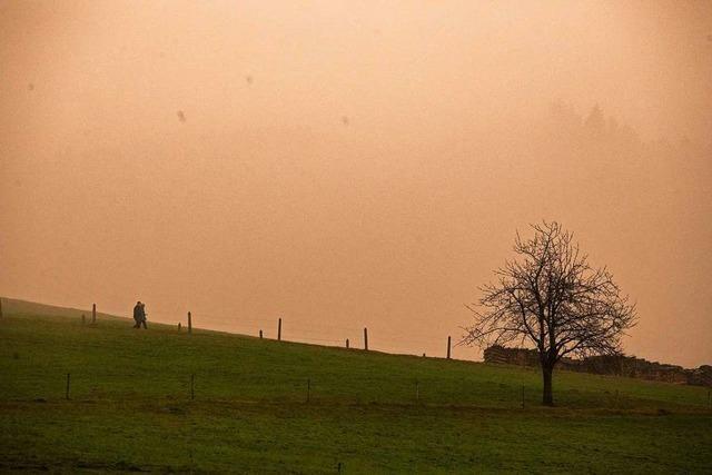 Saharastaub verfärbt den Himmel über Südbaden