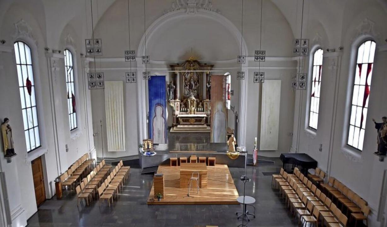 Blick ins Innere der St. Josefskirche in Herten     Foto: Horatio Gollin