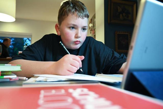 Fernlernen klappt immer besser - doch die Sehnsucht nach der Schule bleibt