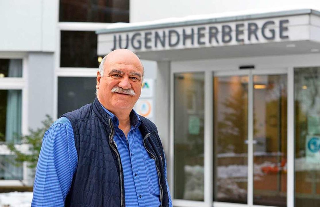 Jugendherbergsleiter Hans Sailer kümme...ndeserstaufnahmestelle verlegt wurden.    Foto: Michael Bamberger