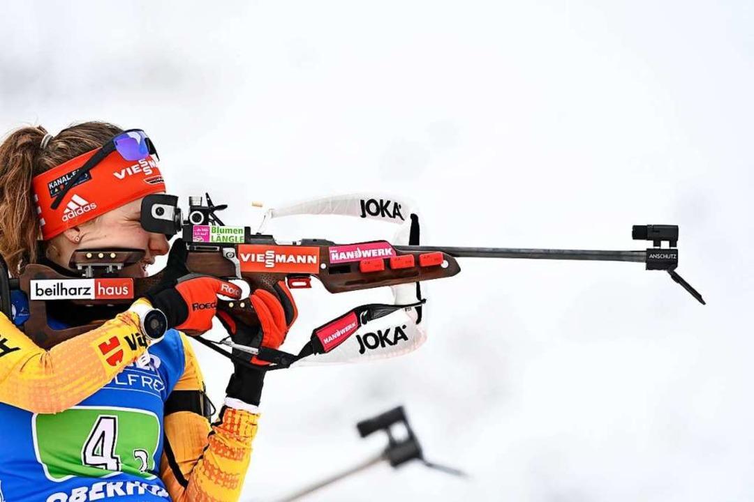 Janina Hettich ist derzeit die beste deutsche Schützin im Biathlon-Weltcup.  | Foto: TOBIAS SCHWARZ (AFP)