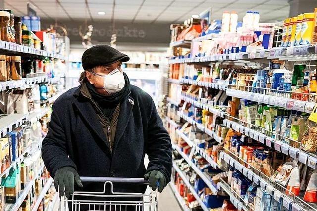 Volle Gänge beim Einkauf – trotz strenger Infektionsschutzregeln