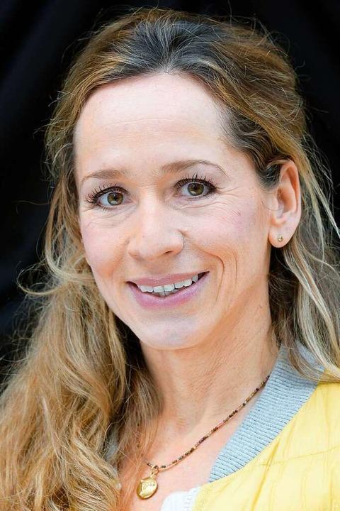 Schwanger wunderschön moderatorin Rebecca Mir