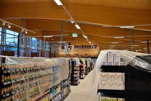 Der neue, hölzerne Supermarkt in Sölden öffnet am Donnerstag
