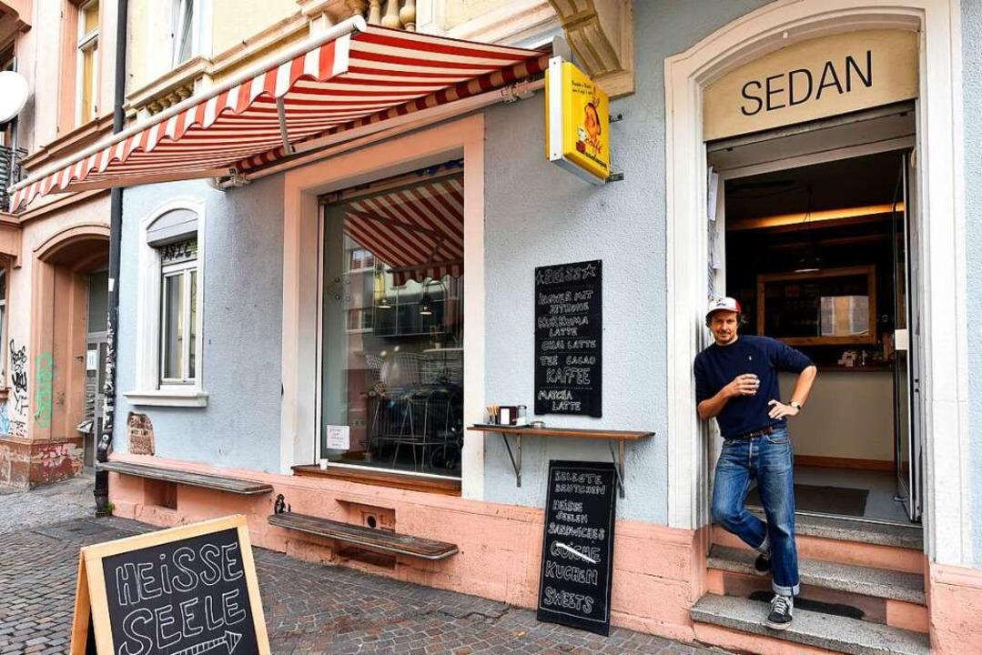 Gleich zu Anfang war schon Krisenzeit,...toph Wyen das Café Sedan zum Kultcafé.    Foto: Thomas Kunz