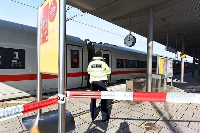 Polizei gibt den Freiburger Hauptbahnhof nach zweieinhalb Stunden wieder frei