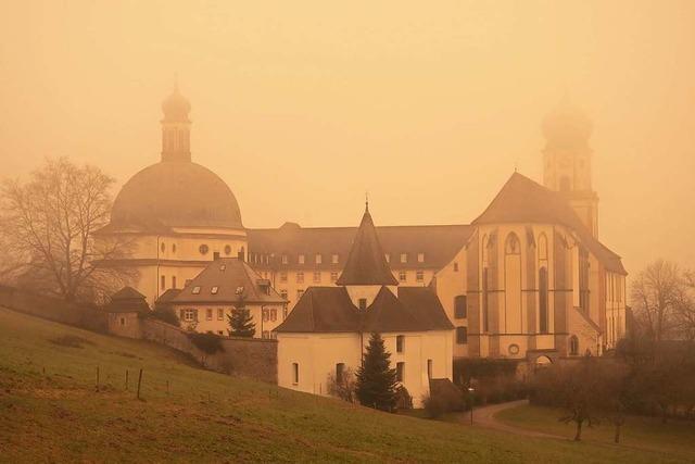 Wenn das Kloster St. Trudpert in Münstertal plötzlich im Wüstenstaub verschwindet