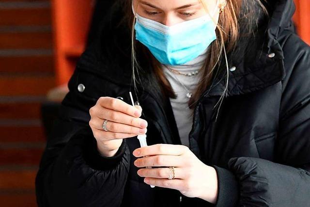 In Tübingen testen sich Schüler und Lehrer selbst auf Sars-CoV-2