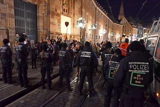 Freiburger Polizei leitet nach Demo 150 Bußgeldverfahren ein