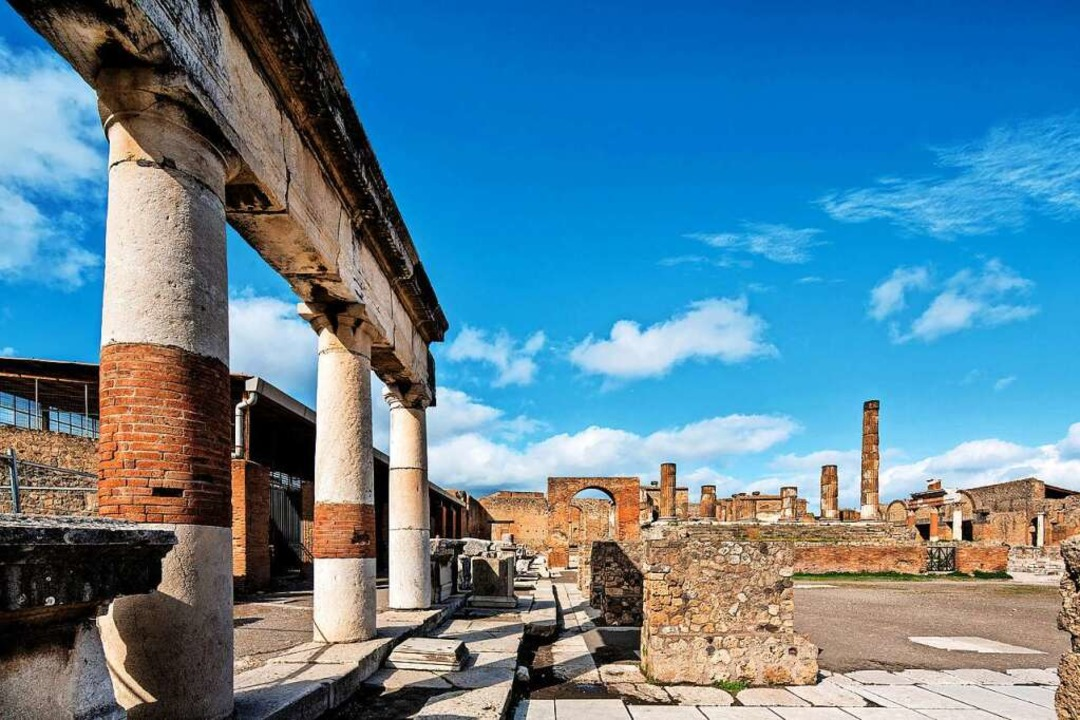 Die gut erhaltene Ruinenstadt von Pomp...luten Top-Sehenswürdigkeiten Italiens.  | Foto: Pier Paolo Metelli (dpa)