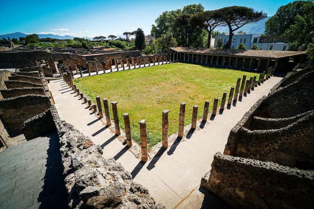 Pompeji müssen sich Besucher in diesen... mit wenigen anderenTouristen teilen.  | Foto: Cesare Abbate (dpa)