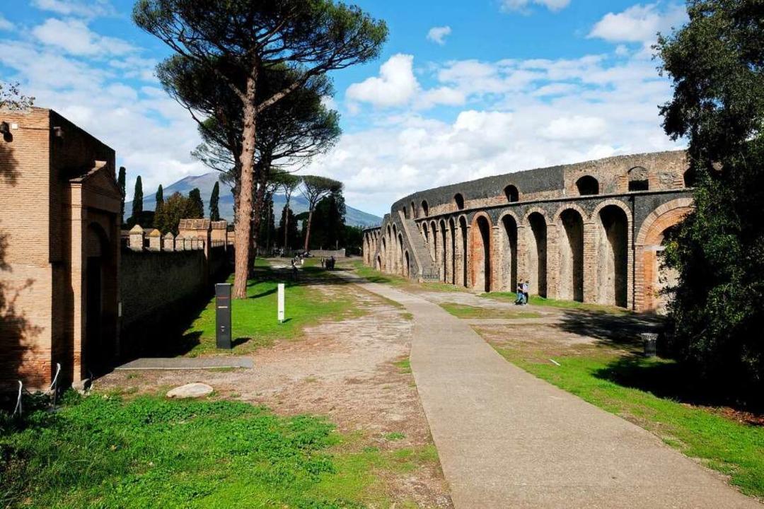 Pompeji inCorona-Zeiten: Selbst zwisc...rlieren sich nur vereinzelte Besucher.  | Foto: Florian Sanktjohanser (dpa)