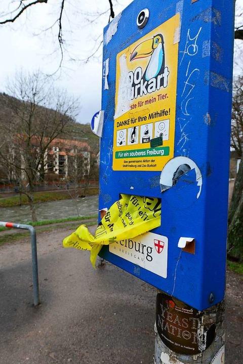 150  Dogset-Spender gibt's in der Stadt.  | Foto: Ingo Schneider