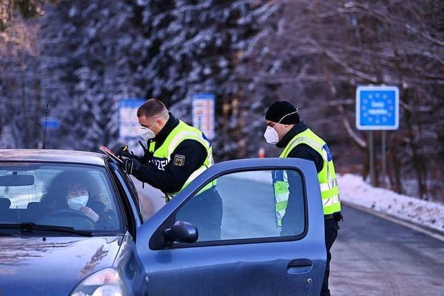 Grenzkontrollen an Übergängen nach Tschechien und Tirol ruhig gestartet