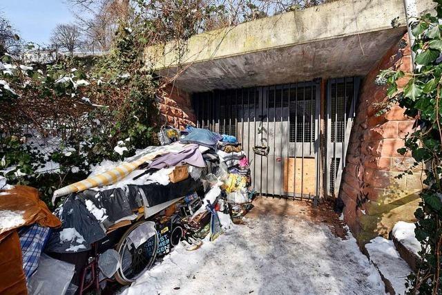 Obdachlose nutzen Schlossbergbunker als nasskaltes Wohnquartier