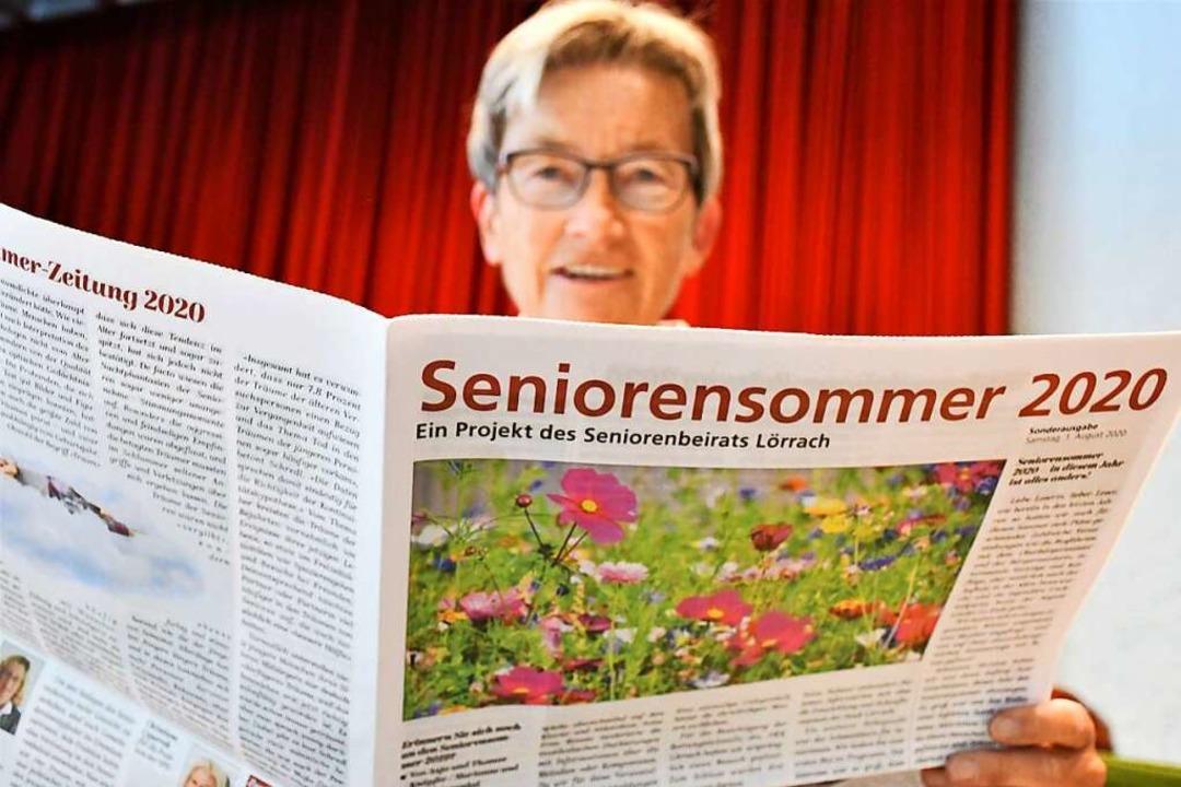 Anja Küpfer vom Seniorenrat wirft eine...er Veranstaltungsreihe hinwegtröstete.    Foto: Barbara Ruda