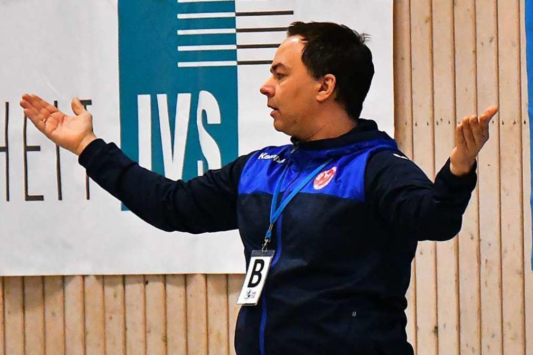 Wie zurückhaltend die HSG-Frauen vor d...fiel  Trainer Ralf Wiggenhauser nicht.    Foto: Achim Keller