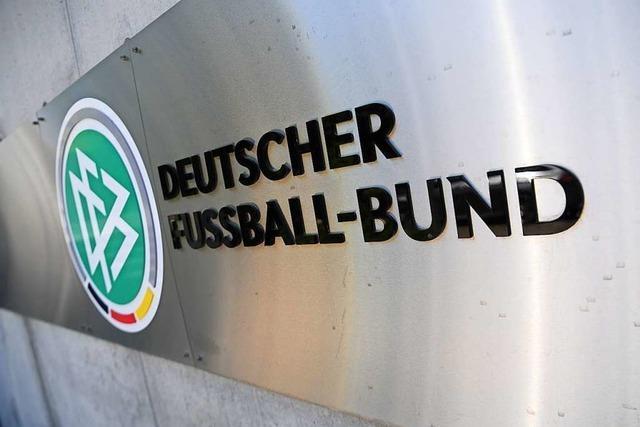 Der DFB lässt nun auch Werbung auf der Hinterseite von Trikots zu