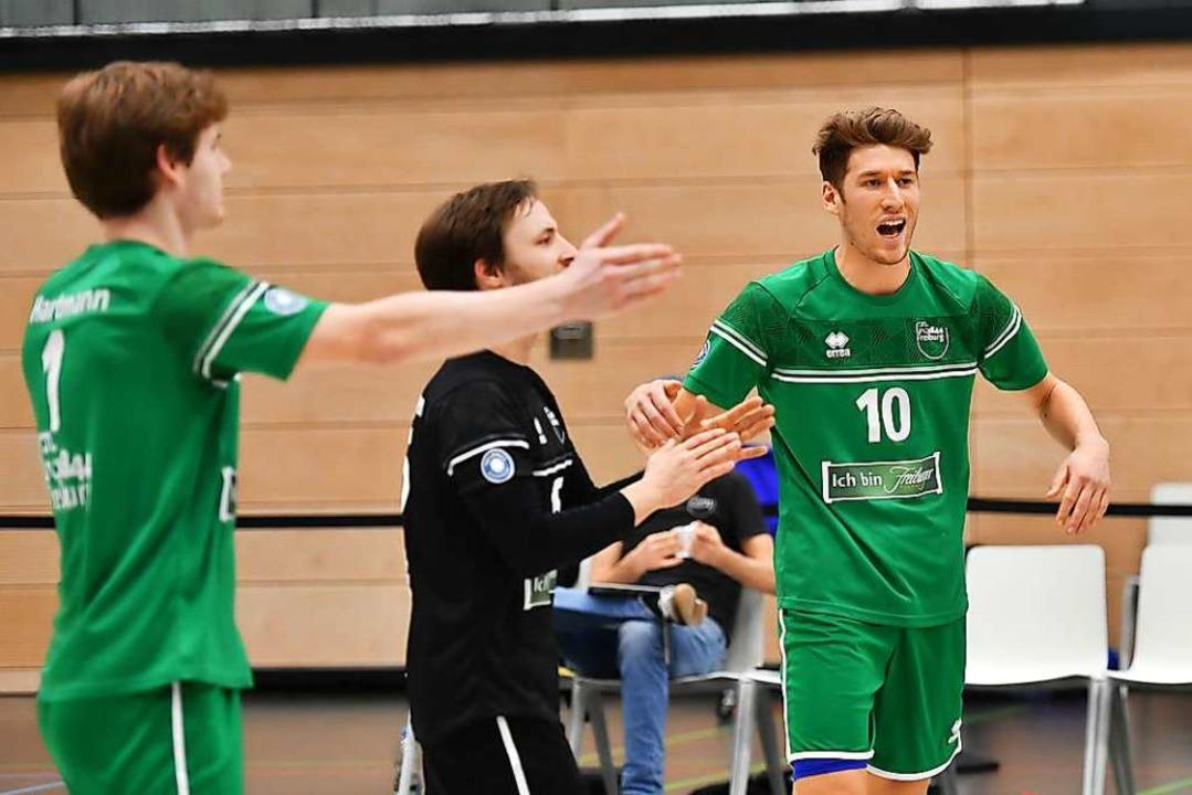 Paul Mauch mit der Nummer zehn gehörte zu den besten Freiburgern gegen Grafing.  | Foto: Achim Keller
