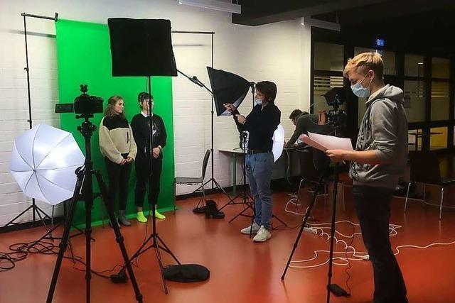 Statt Tag der offenen Tür: Ehemalige Schüler drehen Film über Marie-Curie-Gymnasium