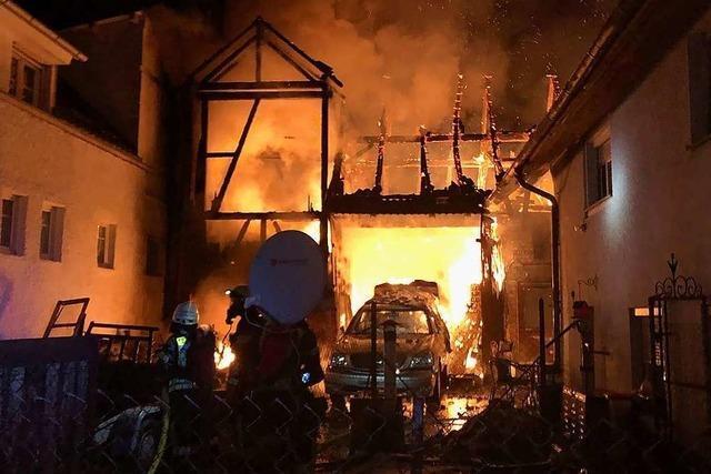 Jugendlicher bei Brand in Rheinhausen-Oberhausen schwer verletzt