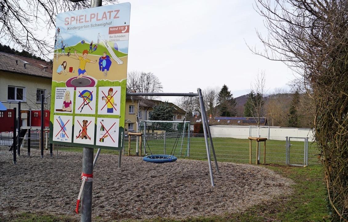 Der hintere Teil des an Schweighofs Ki...ickplatzes soll zum Parkplatz werden.   | Foto: Silke Hartenstein