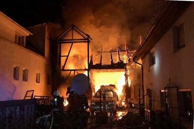 Der Tag in Südbaden: Eine Verpuffung, mittelalterliche Schädel und Narren