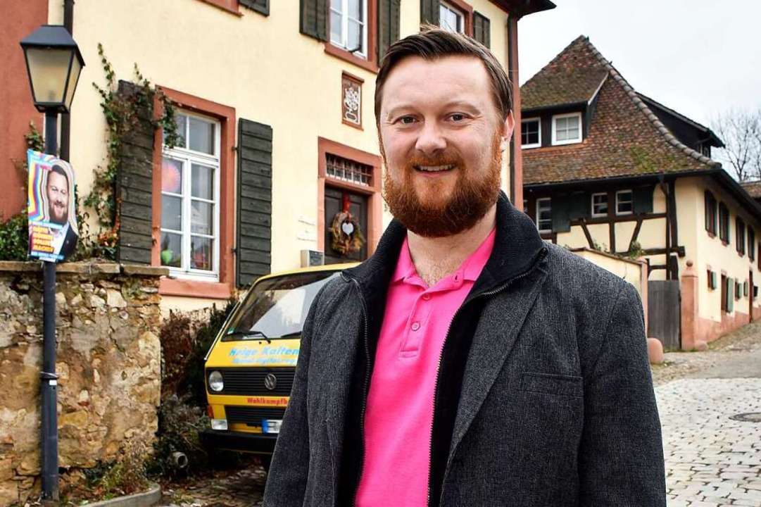 Helge Kaltenbach hat seinen Bulli zum FDP-Wahlmobil umfunktioniert.  | Foto: Thomas Kunz