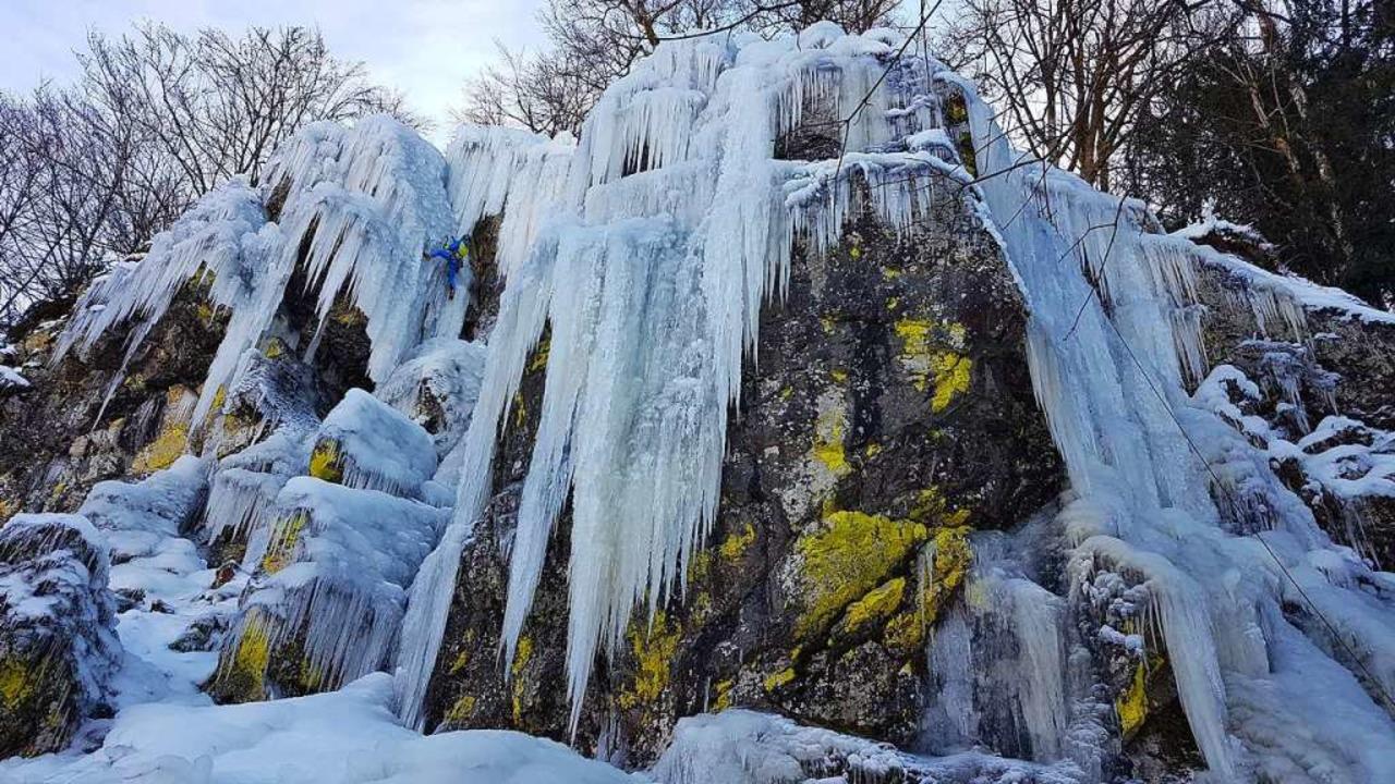 Die Felsen in Utzenfeld sind bei Eiskletterern beliebt.  | Foto: Gerald Nill