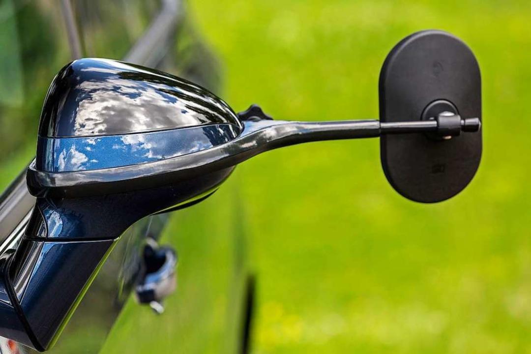 Was die Firma Emuk produziert, braucht...iegel für die Fahrt mit dem Wohnwagen.  | Foto: Michael Spiegelhalter