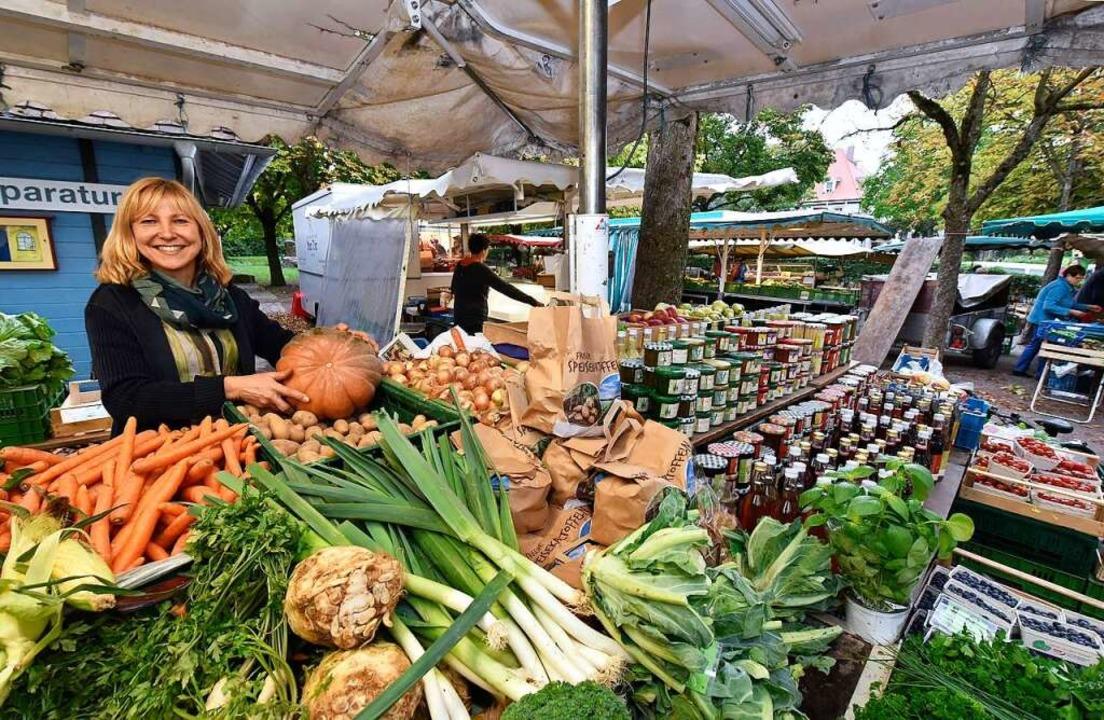 Gemeinsames Einkaufen und Kochen sind ...anche Familien essen meist  auswärts.   | Foto: Thomas Kunz