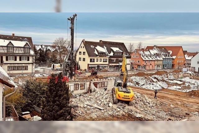 Vorarbeiten für Bau des Wohn- und Geschäftsgebäudes