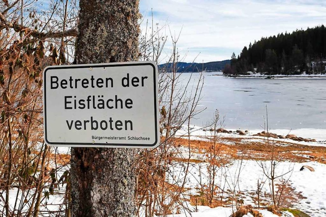 Tabu: die dünne Eisfläche auf dem Schluchsee   | Foto: Wolfgang Scheu