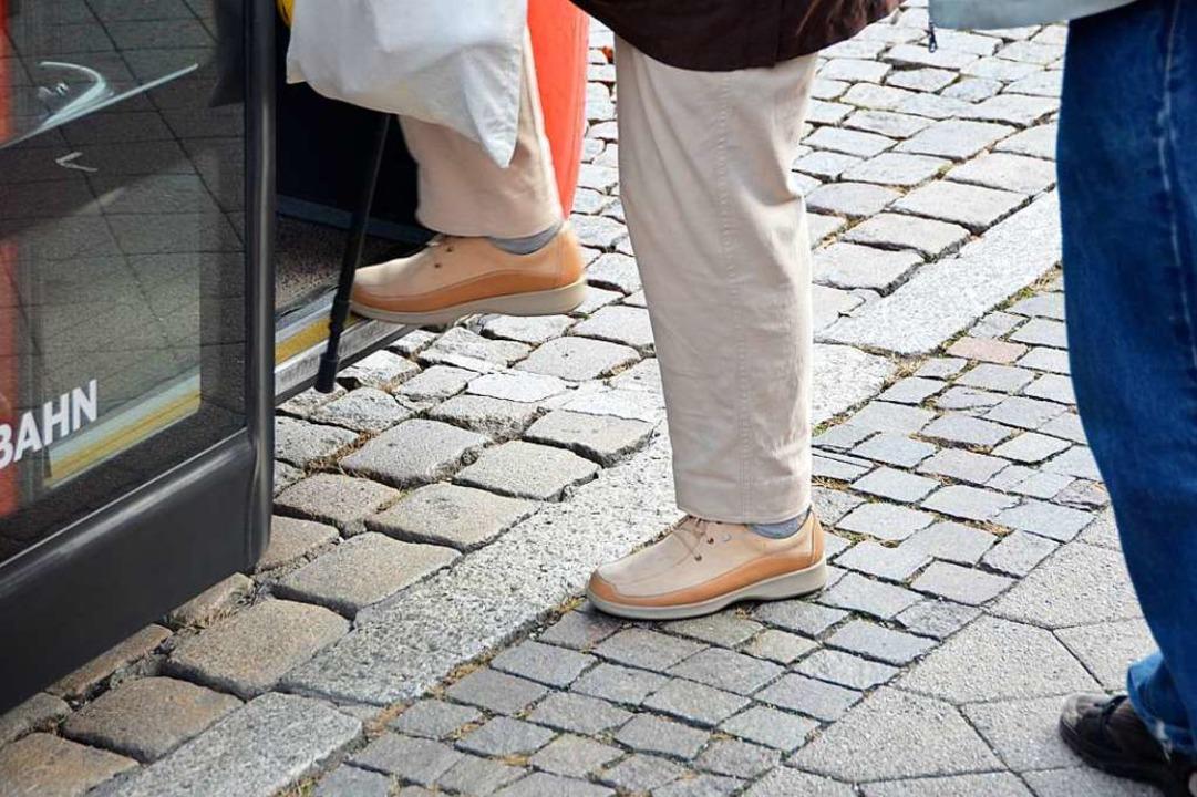 Barrierefrei sollen Kunden künftig an ...ltestellen in Busse einsteigen können.  | Foto: Helmut Seller