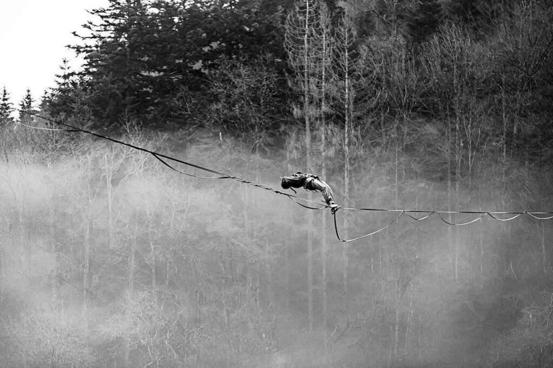 Slacklinen ist ein spektakulärer Sport...e sind die wichtigsten Voraussetzungen    Foto: Matthias Bleisch