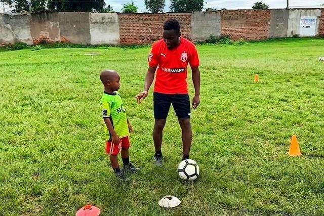 Emily Mugeta vom Offenburger FV leitet eine Fußball-Akademie in Tansania