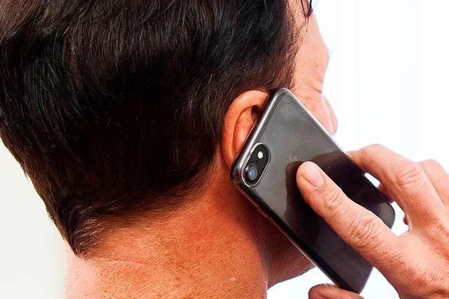 Wenn der Zeuge während der Aussage vor Gericht ans Handy geht