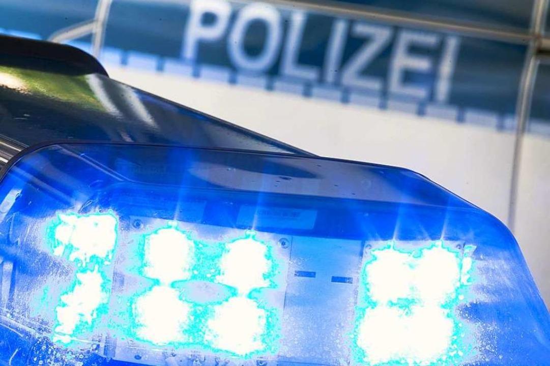 Die Polizei ermittelt wegen Fahrerflucht  | Foto: Friso Gentsch (dpa)