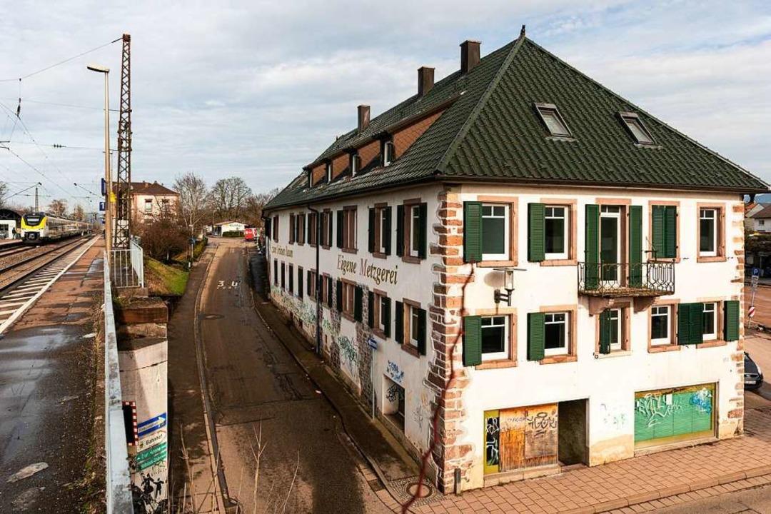 Seit 2007 steht das Gasthaus Zum Grünen baum leer.  | Foto: Hubert Gemmert