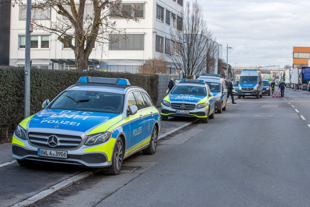 Großeinsatz in Neckarsulm  | Foto: Simon Adomat (dpa)