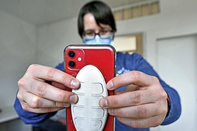 Freiburger Verein entwickelt eine Smartphone-Tastatur für Blinde