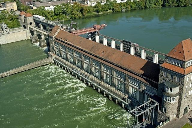 Rhein treibt Turbinen mächtig an