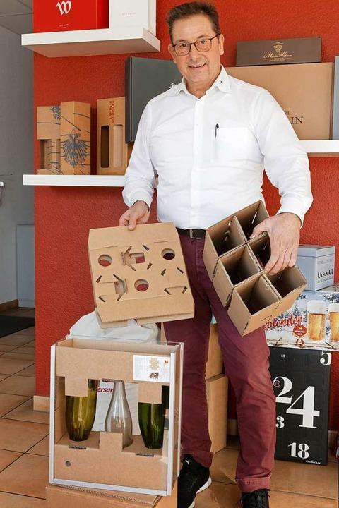 Verpackungsexperte Ludwig Binz aus For...tentierten System für Flaschenversand.  | Foto: Martin Wendel