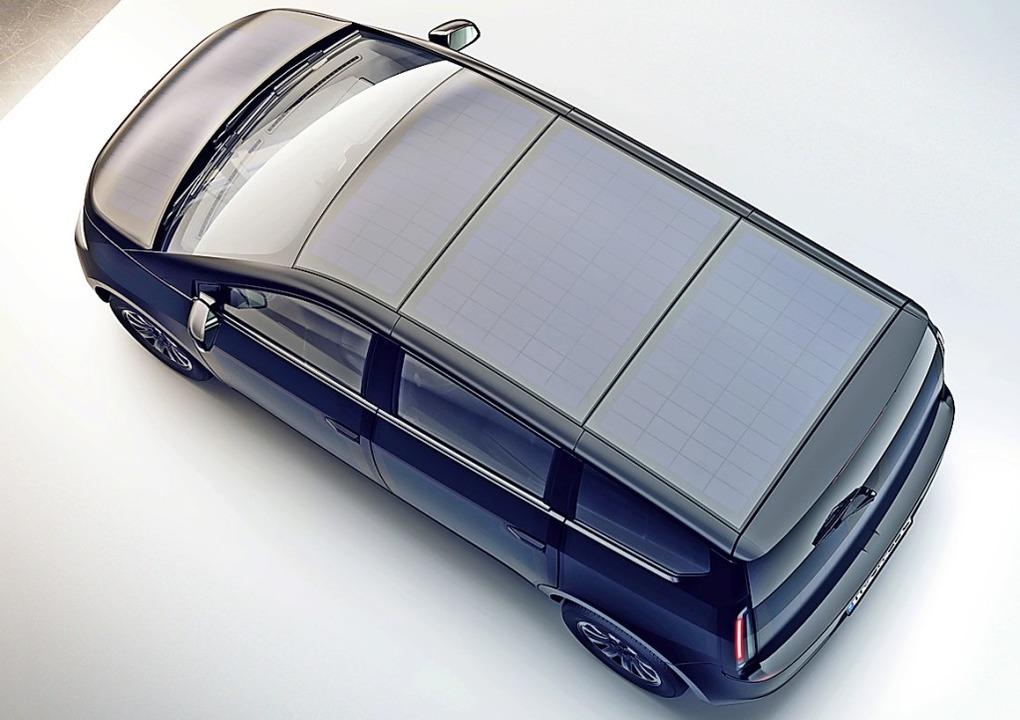 Bei entsprechendem Wetter sollen Solar...utos künftig Extrakilometer bescheren.  | Foto: Sono Motors GmbH