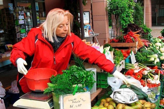 Der Lapp'sche Obst- und Gemüsestand ist von Anfang an auf dem Gundelfinger Erzeugermarkt