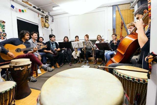 Das Heim- und Fluchtorchester vereint unterschiedliche Menschen und Stile