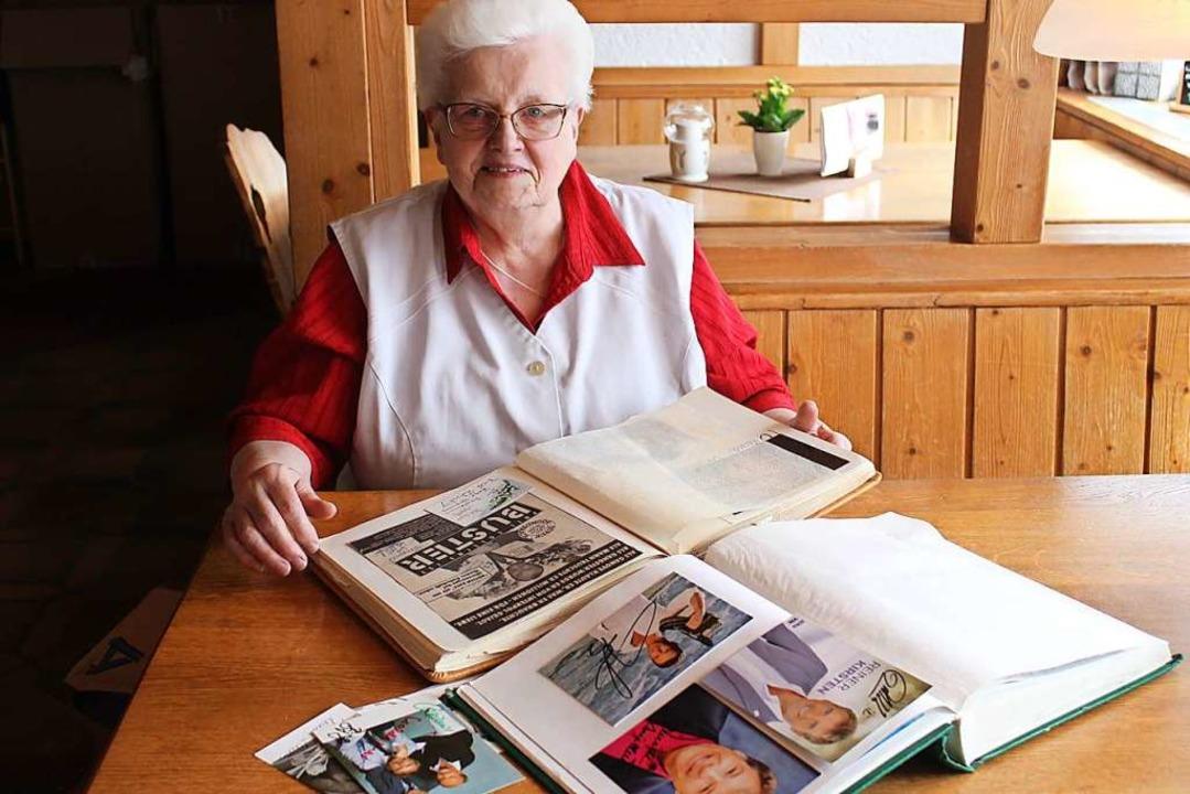 Sammlerin aus Leidenschaft: Die 80-jäh...ammelt Autogramme seit ihrer Kindheit.    Foto: Cornelia Liebwein