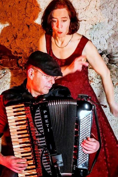 Vera Maier und Thomas Allgeier vom Duo Tavernenlieder  | Foto: privat